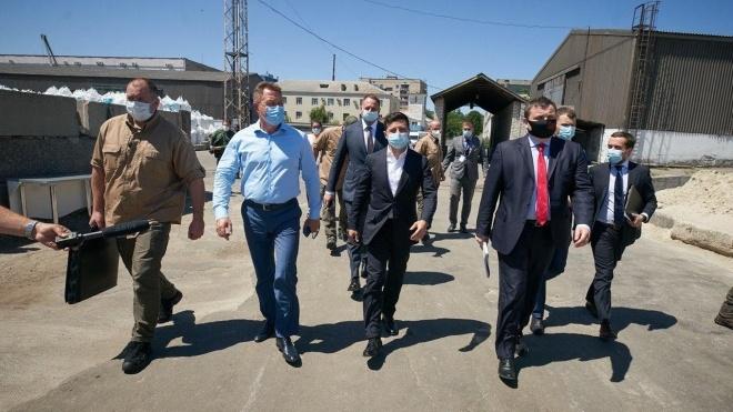 «Усі будуть зважені, але не всі — щасливі»: Зеленський оголосив про «спецоперацію» з контролю вантажівок