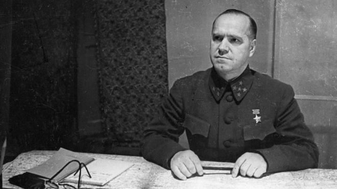 У Харкові хочуть повернути ім'я маршала Жукова проспекту і станції метро. Чому цього не варто робити — у спогадах його товаришів зі служби та полководців