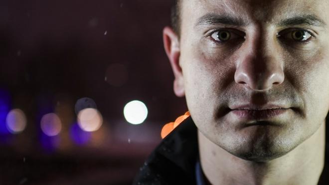 Один день с лидером «С14» Евгением Карасем. Игра в повстанцев в «ДНР», поход в парламент и планы консолидировать геев