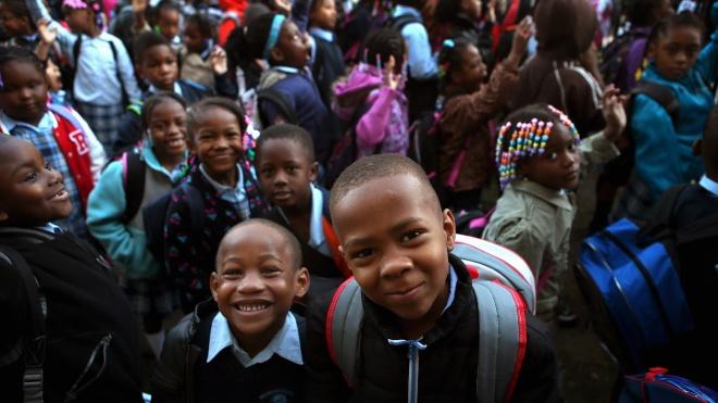 Учительница описывает государственные американские школы: там беспорядки и насилие над учителями — и все из-за законов «против расизма». Пересказываем материал Quillette