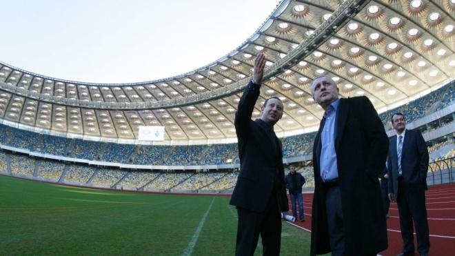 Президенту «Динамо» Суркісу заборонили приходити на три наступні гри клубу. Це покарання за конфлікт на матчі з «Арсеналом»