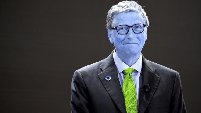 «Це так нерозумно або дивно». Білл Гейтс відповів на закиди про його участь у чипуванні людей