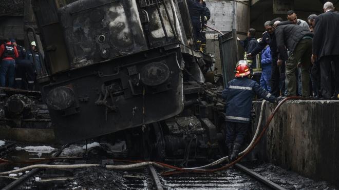 В Каире загорелся поезд, более 20 человек погибли