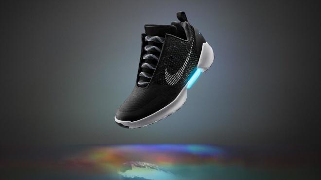 Nike обновила программное обеспечение своих «умных» кроссовок, и те перестали работать