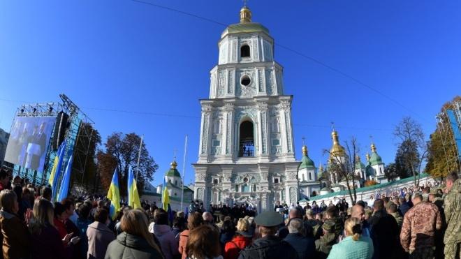 Поліція затримала в центрі Києва двох осіб з нунчаками і ножем