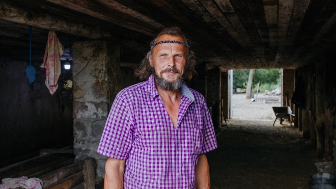 «Я б відмовився від мільйона доларів». Литовський бізнесмен робив варені джинси, торгував бурштином в Малайзії, а потім все кинув і поїхав на Донбас розводити корів. І ось чому