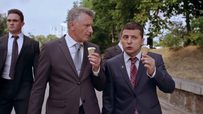 Актер сериала Зеленского взял интервью у Зеленского о первых ста днях работы президента Зеленского. Что сказал Зеленский — в трех простых тезисах (война, тарифы, язык)