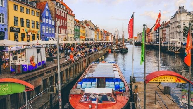 «Безвиз как в старые добрые времена». Дания открыла границы для украинцев