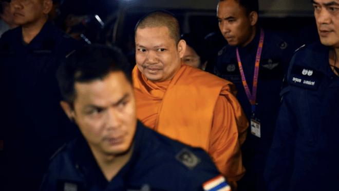 В Таиланде приговорили к 114 годам бывшего буддийского монаха. Он выманил у паломников миллионы долларов на статую Будды и купил частный самолет