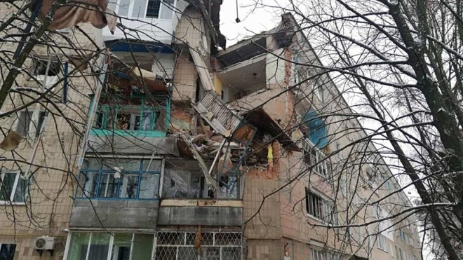 В Фастове из-за взрыва газа частично обрушился 5-этажный дом. Людей под завалами ищут кинологи