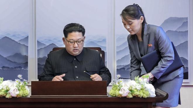 Мировые СМИ пишут, что Ким Чен Ын серьезно болен. Его место прочат публичной и влиятельной младшей сестре. Для Северной Кореи это вызов, и вот почему