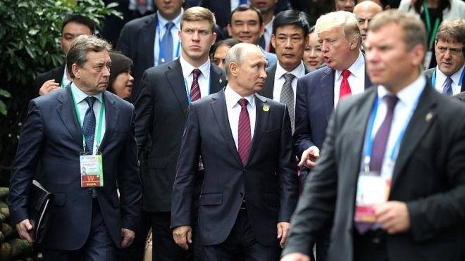 Назвали теми переговорів Путіна з Трампом у Парижі