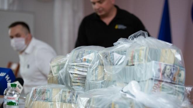 Дело о взятке в $6 миллионов: обвиняемая Мазурова получила пять лет тюрьмы условно