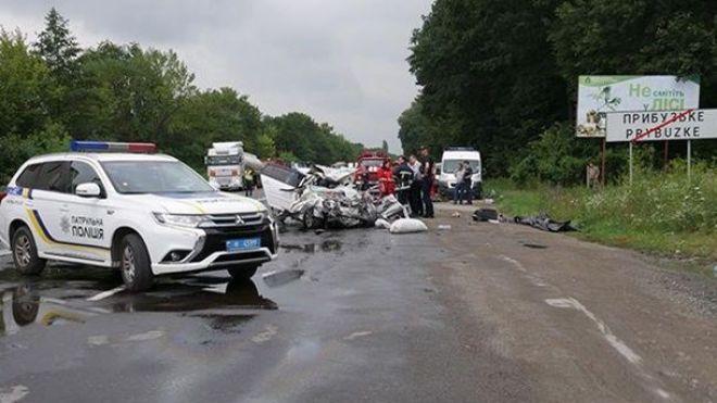В Украине за один день произошло четыре аварии с массовой гибелью людей. Кабмин усиливает контроль скорости на дорогах