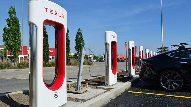 Вывод Tesla с рынка: Маск рассчитывает, что в частную компанию перейдут две трети акционеров
