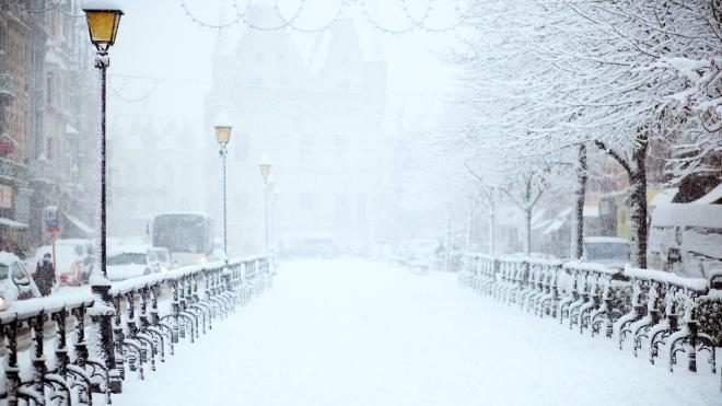 Штормове попередження: синоптики обіцяють українцям сніг та негоду