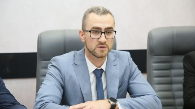 Топ-менеджером «Укрзалізниці» стал Дмитрий Романюк, который еще студентом бросил в Януковича яйцом