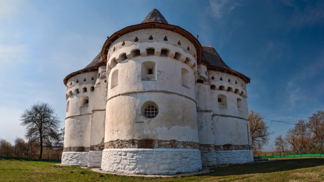 У Хмельницькій області дві громади перейшли з УПЦ МП в ПЦУ. Одна з них — Свято-Покровської церкви-фортеці XV століття