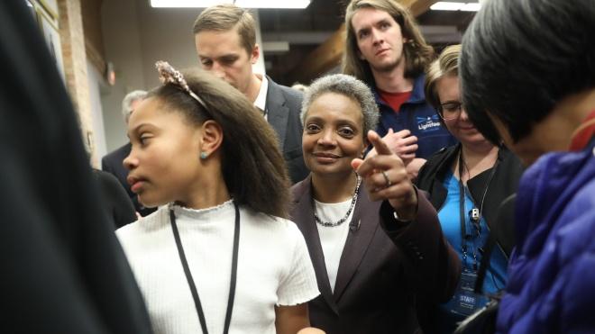 Во второй тур выборов мэра Чикаго вышли две чернокожие женщины. Такое случилось впервые в истории города