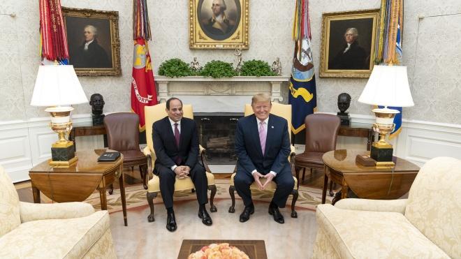 «Где мой любимый диктатор?» Трамп обратился к президенту Египта в попытке его разыскать