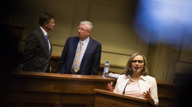 В штате Алабама запретили аборты даже в случае изнасилования или инцеста