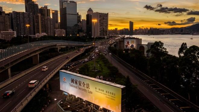 Китай окончательно принял закон, который усиливает спецслужбы в Гонконге. Лидеры протестного движения города опасаются начала репрессий