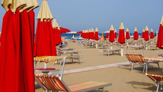 На итальянском курорте застряли украинские туристы. Join UP! отложила авиарейсы