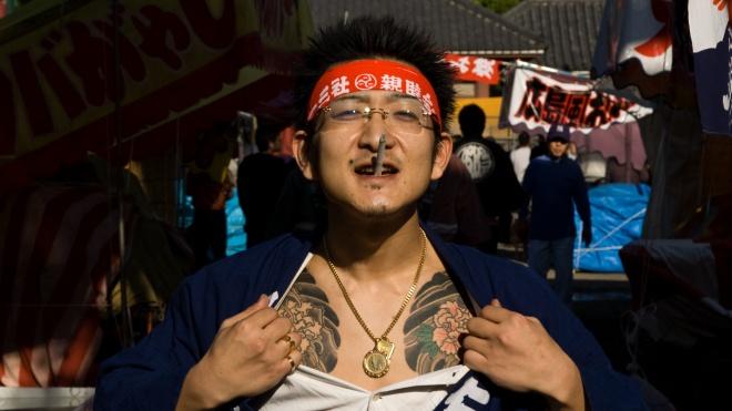 Японським бандитам заборонять роздавати дітям солодощі на Гелловін. Поліція побоюється вуличних війн