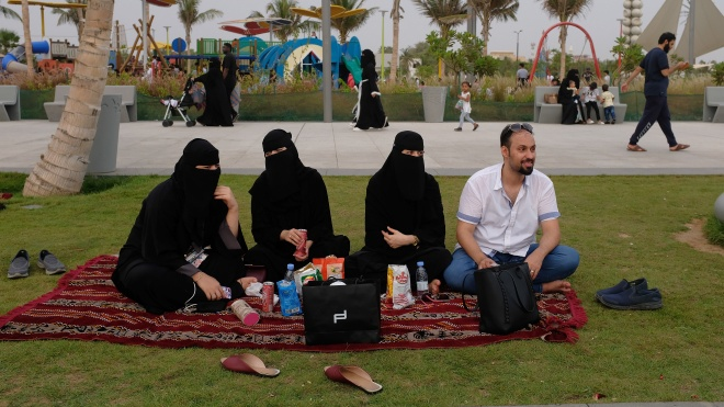 Саудівська Аравія заборонить невакцинованим громадянам виїжджати за кордон