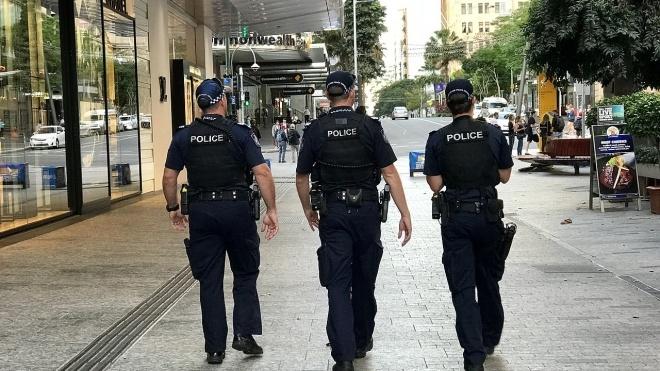 В Австралії поліцейський під час обшуку дівчини вимагав від неї дістати тампон