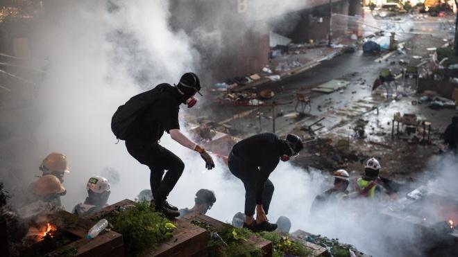 Парламент Китая принял закон о нацбезопасности Гонконга, который вызвал массовые протесты. Что он предполагает?