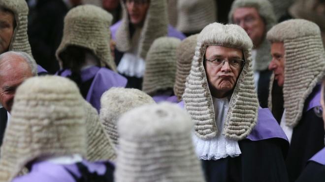 Володимир Зеленський пообіцяв боротися з корупцією за допомогою англійського суду, «як у Казахстані». Що це за суд? І до чого тут Казахстан?
