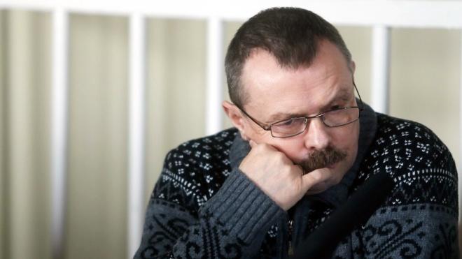 Экс-депутата Верховного Совета Крыма в Киеве приговорили к 12 годам тюрьмы за госизмену. Он говорит, что сопротивлялся аннексии