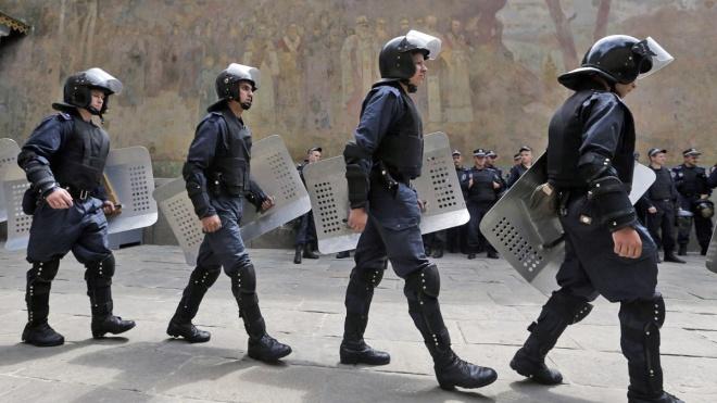 Поліція відпустила більше 100 осіб, затриманих у Києво-Печерській лаврі