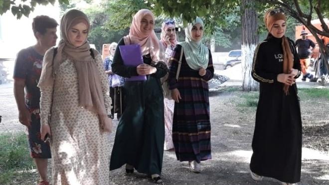 Крымский «суд» оштрафовал активистку Зудиеву за символику «Хизб ут-Тахрир»