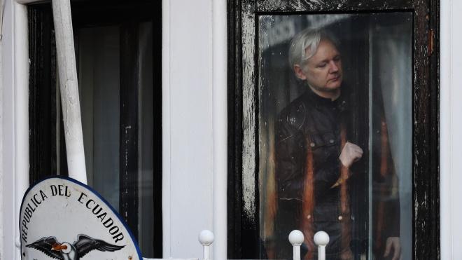 Ассанжа затримали в посольстві Еквадору в Лондоні. До цього готувалися ще з минулого року — тепер засновника WikiLeaks можуть екстрадувати до США