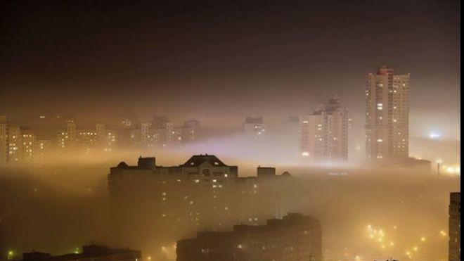 ГСЧС: в центре Киева воздух загрязнен диоксидом азота и формальдегидом. Концентрация в 7 раз больше нормы