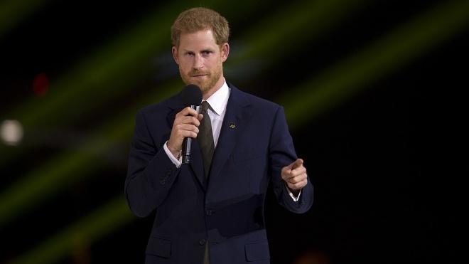 Принц Гарри напишет мемуары «как человек», а не как член королевской семьи