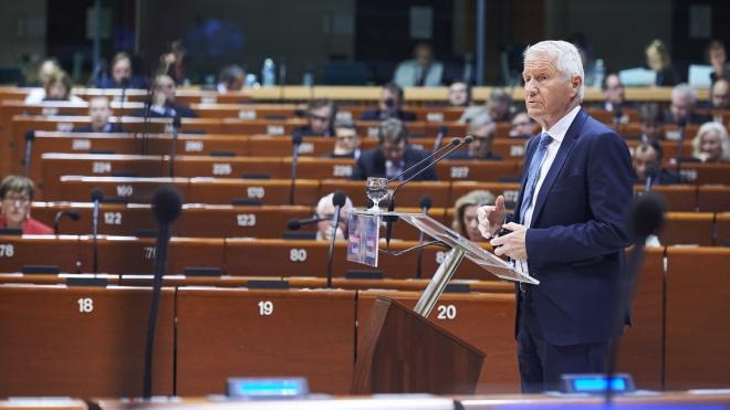«ЄП»: Росію можуть виключити з ПАРЄ, якщо вона не почне платити внески