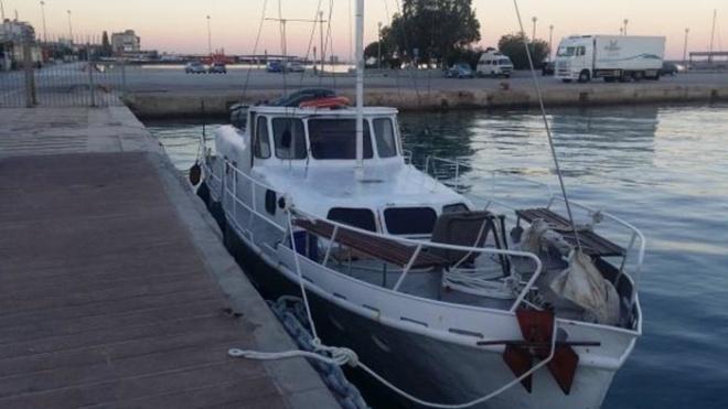 У Середземному морі затримали українську яхту з майже 60 мігрантами