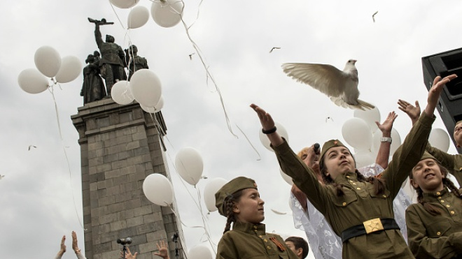 Латвия собирается запретить символику нацистского и советского режимов