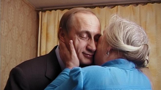 «Свідки Путіна». Заради чого варто подивитися архівне кіно про першу передвиборчу кампанію другого президента Росії. Спойлери