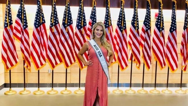 Мисс США извинилась перед Мисс Вьетнам и Мисс Камбоджа, после того как высмеяла их за незнание английского