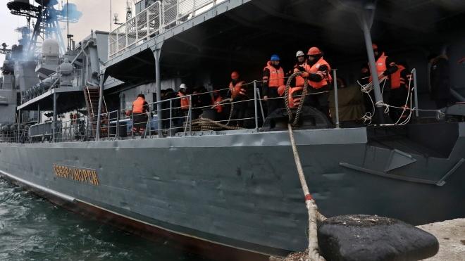 «Відпочити та поповнити запаси». У порт Севастополя зайшов російський ударний ракетний есмінець «Североморськ»