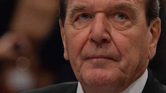 Німеччина закликала Україну закрити сайт «Миротворець» після того, як туди потрапив екс-канцлер Шредер