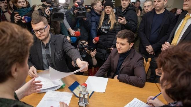 Зеленський подав документи для реєстрації кандидатом у президенти у свій день народження