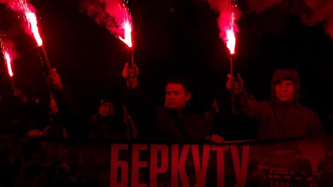 «Собаку на гілляку». На уличной акции в Киеве требовали отправить в отставку главу МВД и переаттестовать полицию — фоторепортаж