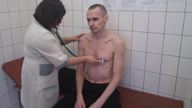 Адвокат Сенцова: режисера збираються годувати примусово, якщо йому погіршає