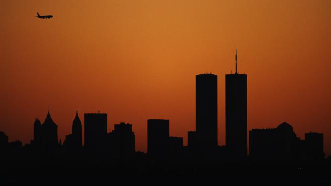 За день до терактов 9/11 в Нью-Йорке: Трамп встречается с Меланией, Лукашенко идет на второй срок, Зеленский играет в КВН. Что происходило 10 сентября 2001 года