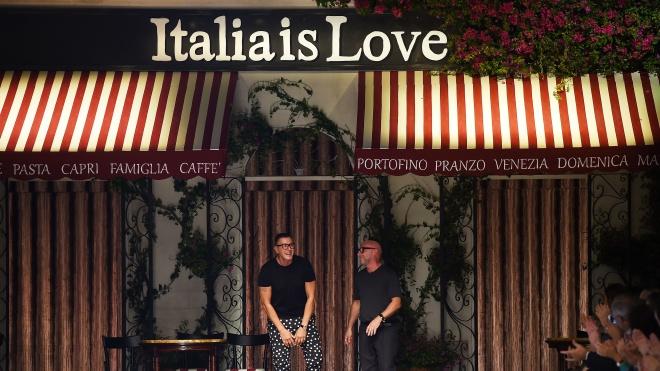 Китайські інтернет-магазини відмовилися від продукції Dolce & Gabbana. Компанія опинилася в епіцентрі расистського скандалу